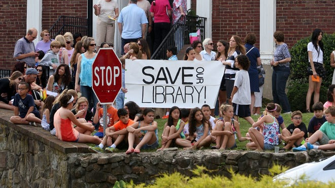 Despite The Friends of the Watchung Library mounting a vigorous campaign over the years, the Watchung Borough Council voted Thursday to close the Watchung Library.