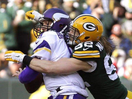 Packers linebacker Clay Matthews jars the ball loose