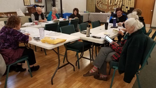 Adult Education students studying with Rabbi Michele Medwin last fall. Rabbi Medwin will teach two courses at Temple Sholom starting on March 3 and running for 8 weeks.