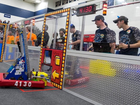 636586173707660908-20180406-FIRST-robotics-0016.jpg
