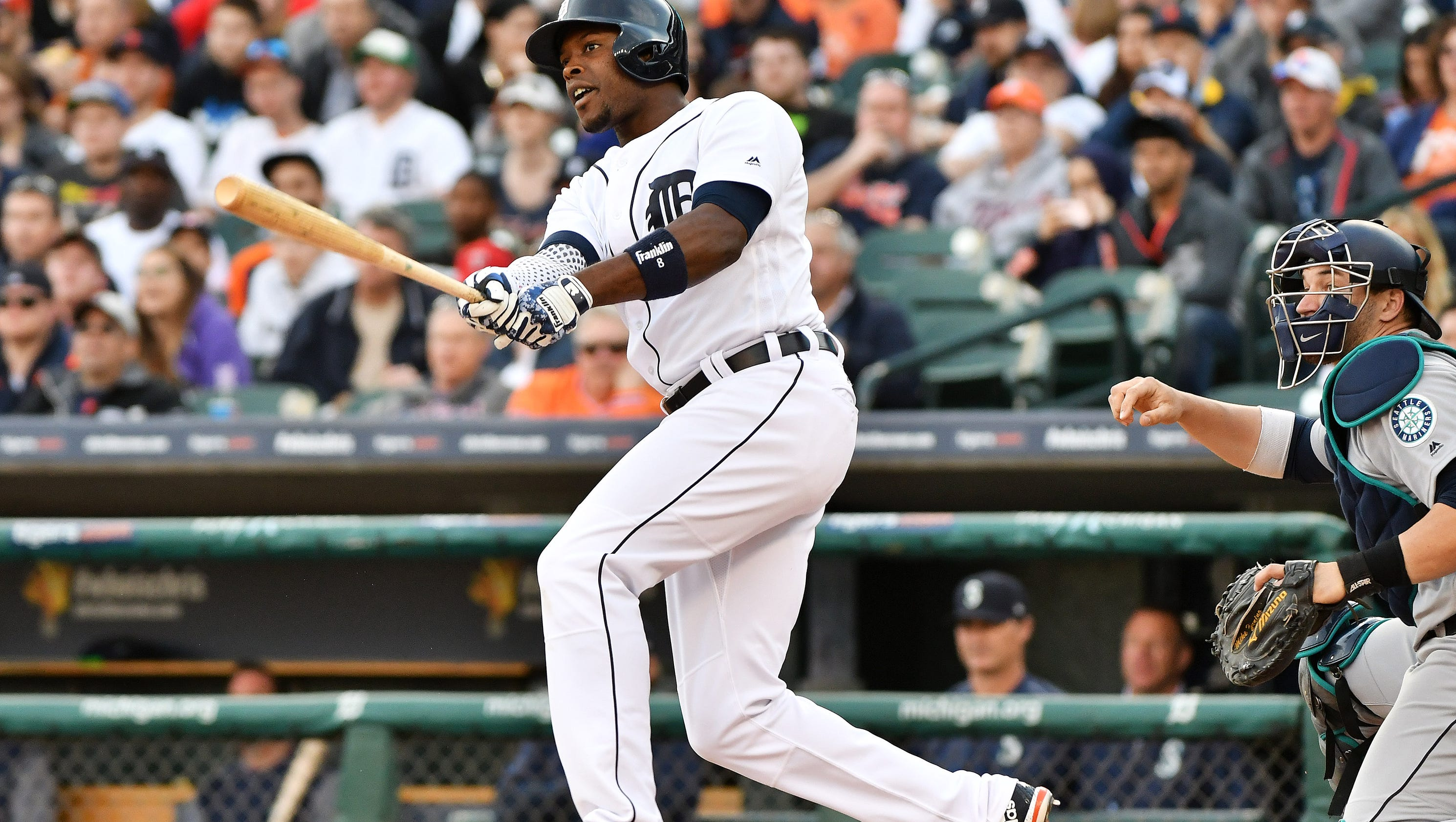 636287469857861257-2017-0425-rb-tigers-mariners251