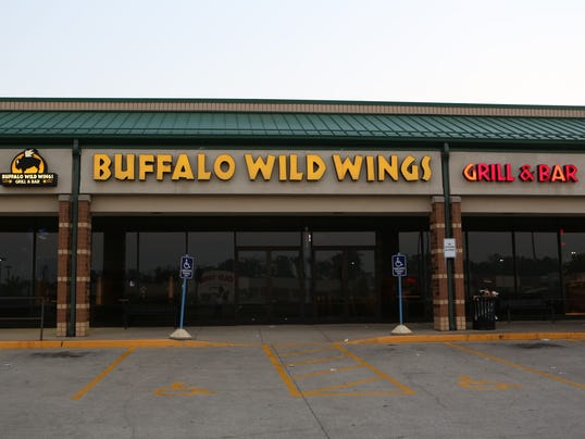 forest park buffalo wings