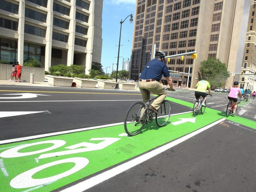 Detroit Makes Room For Safer Street Cycling