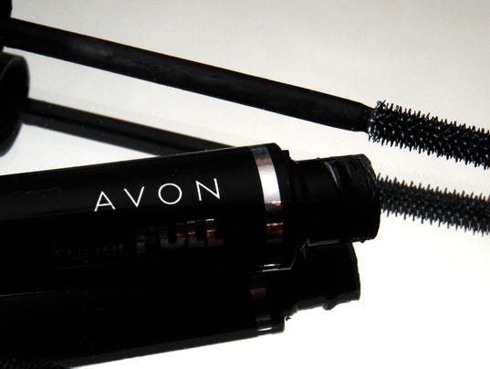 Avon escapes board makeover, cuts deal with hedge fund