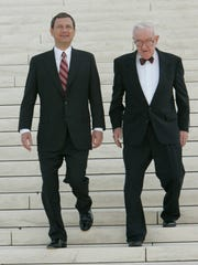 Westlake Legal Group 636377172506189939-XXX-Roberts-3362.1 Retired Supreme Court Justice John Paul Stevens dead at age 99