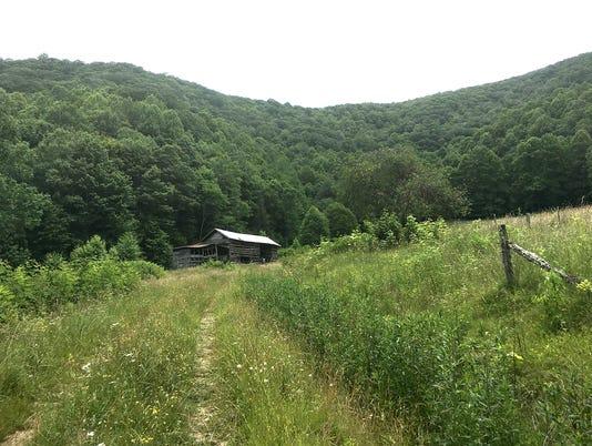 636464434853197737-SAHC-Stevens-Creek-barn.jpg