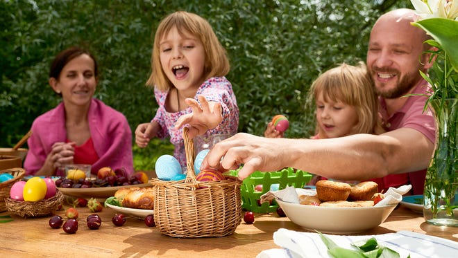 With a few bright touches and delicious treats, your Easter brunch can be the highlight of spring for friends and family.