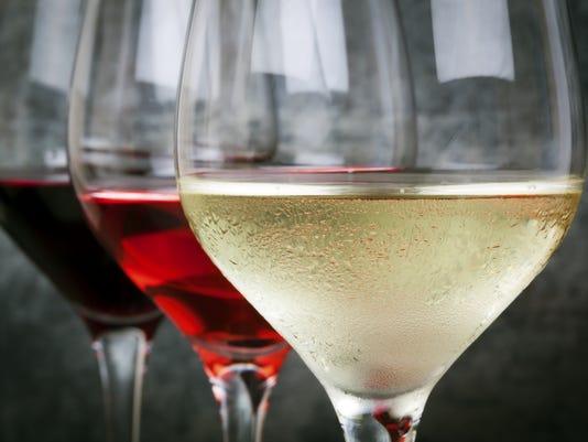 635889853301953506-wine.jpg