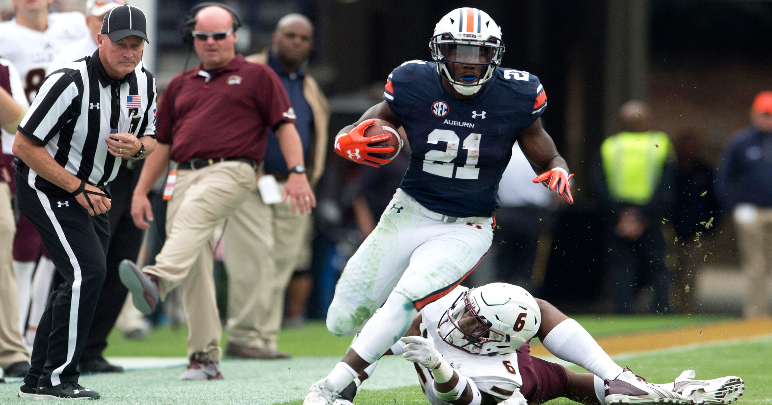Kerryon Johnson wishes he  was alive...to watch  Lions great Barry Sanders 730090d18