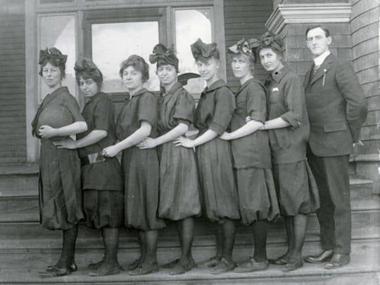 Montana women: Fabulous in 1915 and still fabulous today.