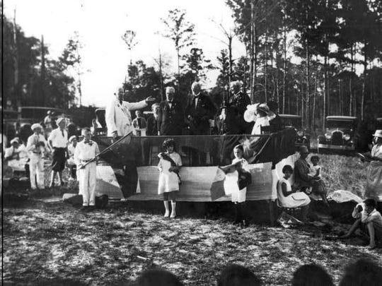 Dixiie Hwy 1927 event.jpg