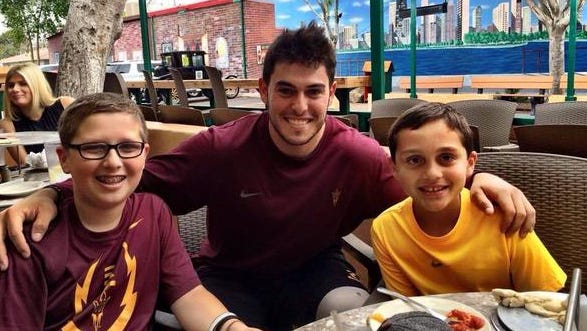 Mike Bercovici made two young fans' day.