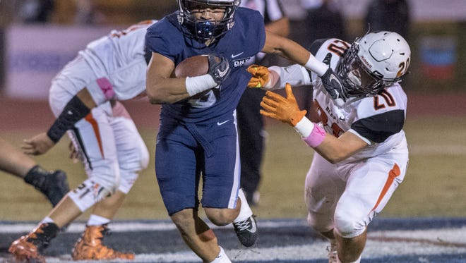 Central Valley Christian's Jaalen Rening runs against Selma in a Central Sequoia League high school football game on Friday, October 6, 2017.