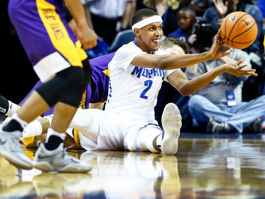 Memphis forward Jimario Rivers makes an outlet pass after grabbing a loose ball against Albany during first half action at the FedExForum in Memphis Tenn., Saturday, December 12, 2017.