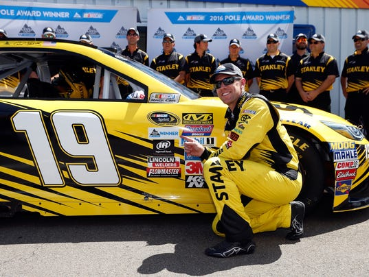 NASCAR Sprint Cup Series Cheez-It 355 - Qualifying
