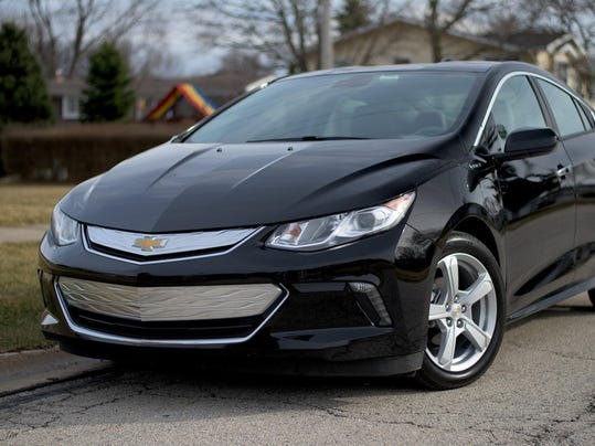 Auto review: 2016 Chevrolet Volt plug-in hybrid improves on predecessor and gas compacts