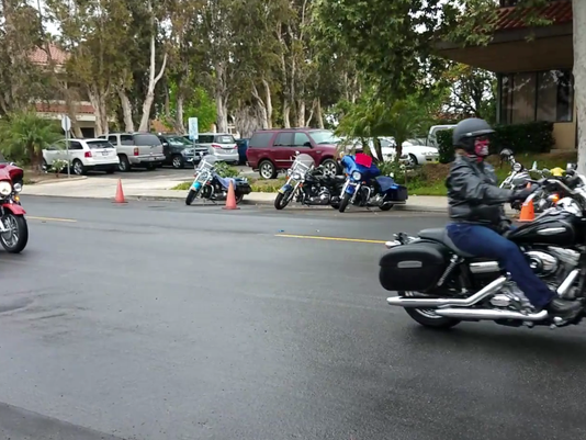 Motorcyclists ride for veterans