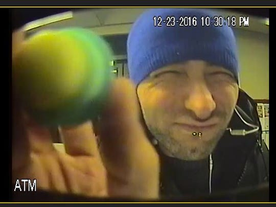 One of two suspects in Lakeland Bank skimming robbery in Bloomingdale