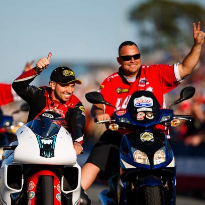 Hector Arana first pro stock motorcyclist to top 200 mph at NHRA event