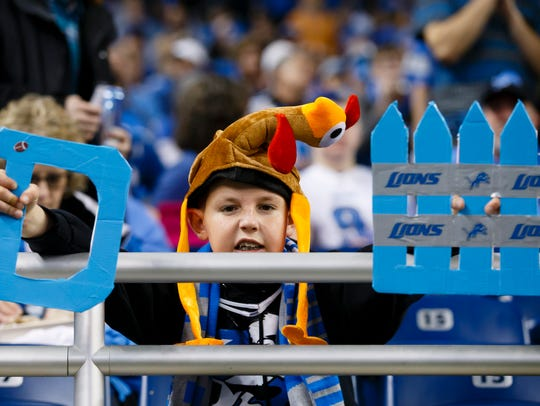 A young Lions fan during Thanksgiving 2014 against