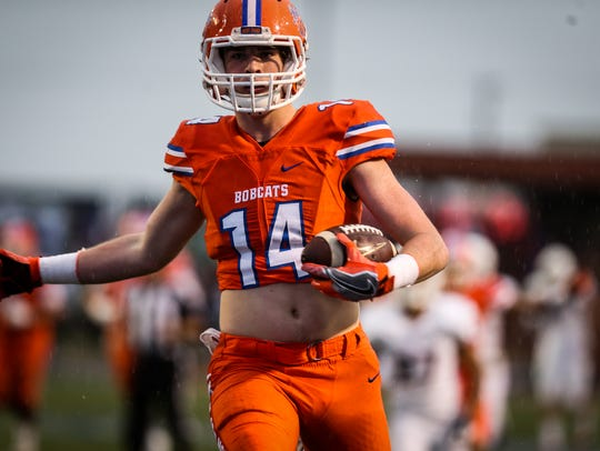 Senior Henry Teeter was a record-setting receiver for the Bobcats in 2017.