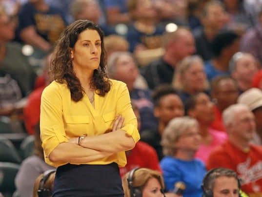 635993804087161858 Fever Stephanie White - Stephanie White, única entrenadora LGBT del baloncesto universitario