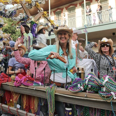 Thousands of people enjoy the 2016 Pensacola Grand