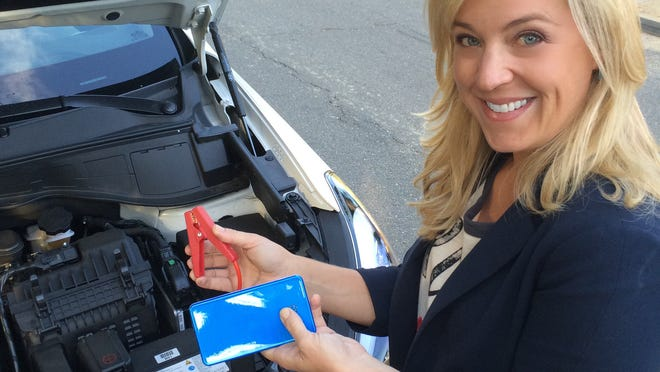 The Juno Jumpr is a handheld high-capacity battery pack that powers up your phone or tablet, and can even jump start a dead car battery.