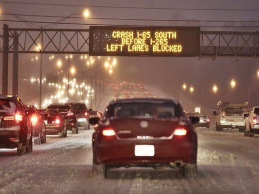 635888738828084209-snow-traffic-clevenger.jpg