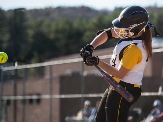 20150506_Windsor_Softball_at4575.jpg