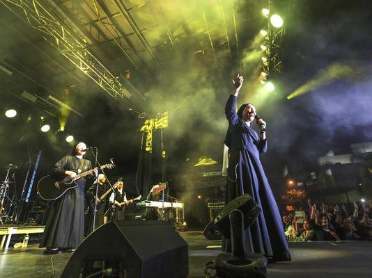 Rock N Roll Nuns (2)