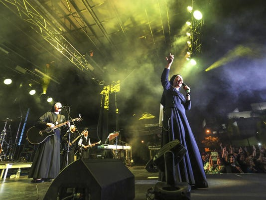 Rock N Roll Nuns (2)