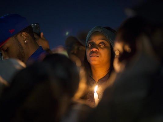 2018-02-27-FL-RW-Homicide Vigil-09