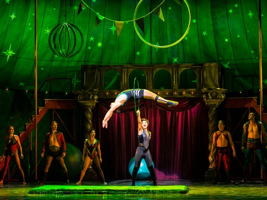 Pippin-2__418-Sasha-Allen-as-Leading-Player-and-the-cast-of-the-National-Tou.jpg