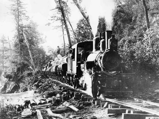 636449656303116017-Carr-Lumber-Company-Climax-locomotive-near-Pink-Beds-1916-Transylvania-County-Library.jpg