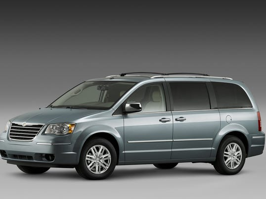 Chrysler town & country 063014