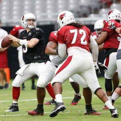 Arizona Cardinals quarterback Carson Palmer looks to