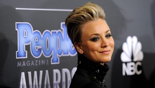 Here's Kaley Cuoco-Sweeting's pre-surgery schnozz.