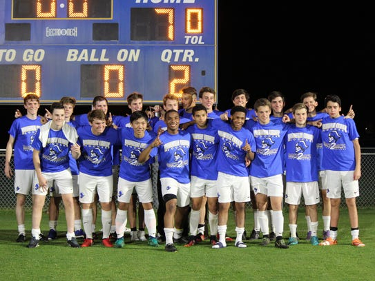 Catholic is trying to reach the state soccer quarterfinals