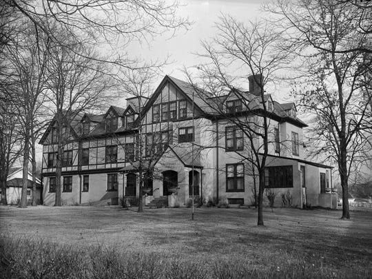 The Mary E. Wilson home, located at 924 N. Main St. in Springfield, ca. 1951