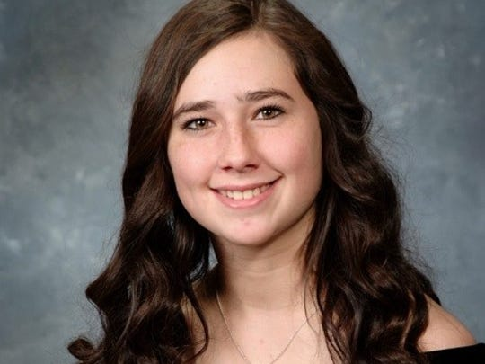 Valedictorian Lindsey Harlow