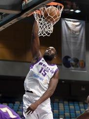 Bighorns' Daniel Ochefu scores against South Bay Lakers