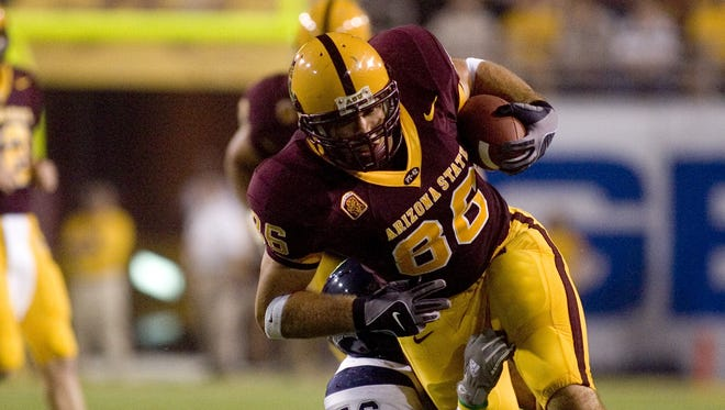 ASU's Zach Miller runs the ball during a game against Nevada in 2006.
