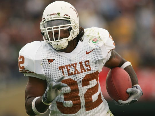 Cedric Benson's high school football coach remembers his star RB: 'Cedric had no fear'