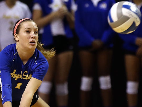 ASU's Mallory Davidson returns the ball during the