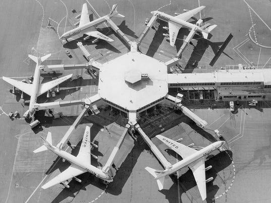 635918426162073841-6-UAL-DC-8-jets-at-SFO-c.-1962-courtesy-SFO.jpg