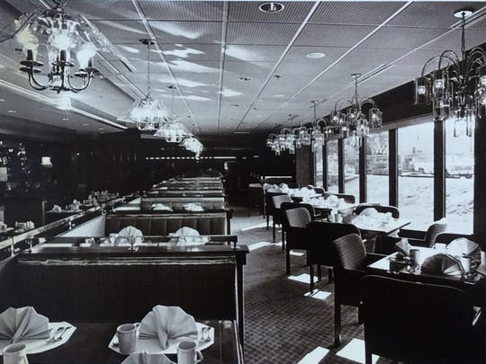 Seville's restaurant/lounge opened in The Radisson Hotel in October of 1986.
