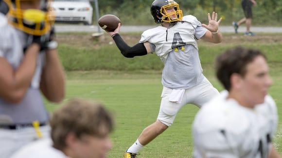 Murphy quarterback Dalton Kent. .
