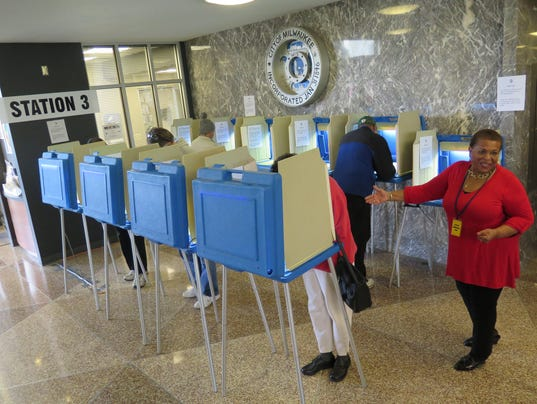 AP MIDTERM ELECTIONS-WISCONSIN-EARLY VOTING A USA WI