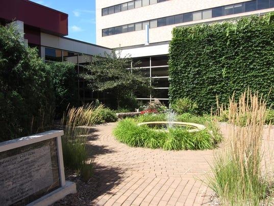 635791355656015935-Agnesian-Healthcare-s-Gardens-Legacy-Circle